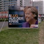 Am Rande der Strecke: Ein etwas umgestaltetes Wahlplakat