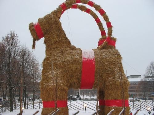 Der Julbock von Gavle (Quelle: Wikimedia Commons)