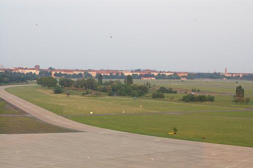 Flughafen Tempelhof - das Rollfeld